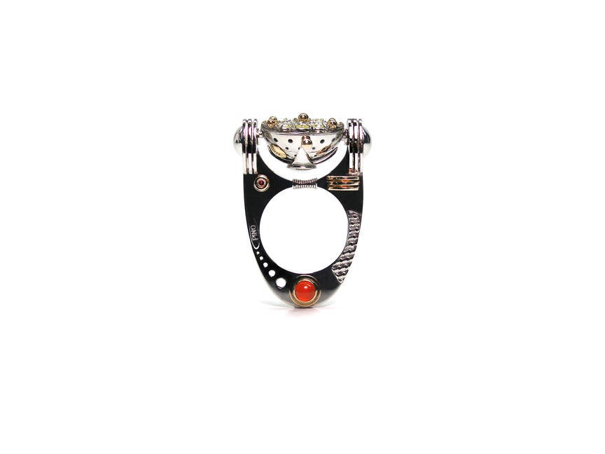05 – Equilibrium, A kinetic Ring. Platinum Pt950/ Ru, 14k yellow gold, diamonds, carnelian. © Claudio Pino