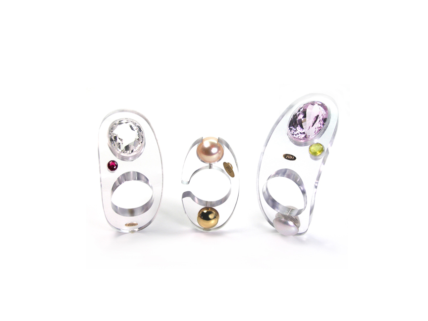 03 – Cristalline Collection. Polycarbonate, 18kt gold, pearl, ruby, quartz cristal, kunzite, phrenite. © Claudio Pino